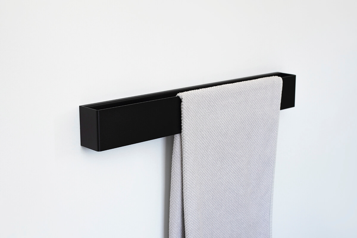 czarny reling na ręczniki TU10 60 cm IModesign